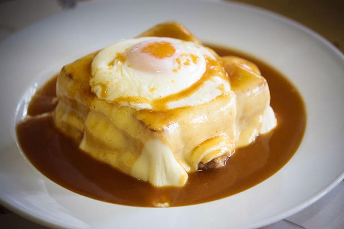 Francesinha moda do porto recettes de la cuisine - Recette de cuisine portugaise avec photo ...